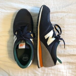 New Balance 420  (Men's 6.5/Women's 7.5)